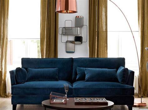 canapé en velours 1000 idées à propos de canapé en velours bleu sur