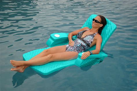 floating pool bar with chairs backyard design ideas