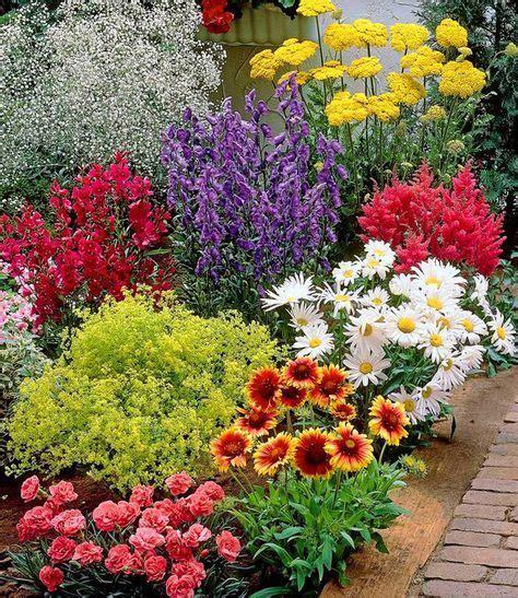Garten Pflanzen Im Juli by Bunter Staudengarten Garten Staudengarten Garten