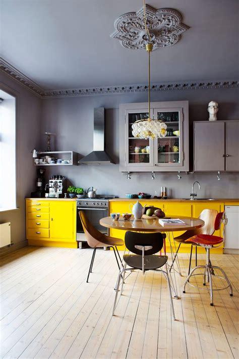 table de cuisine habitat le gris dans la cuisine cocon de décoration le