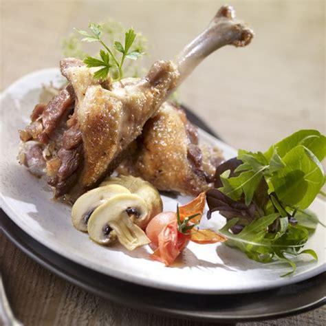 cuisiner des manchons de canard manchons de canard confits foie gras sarlat