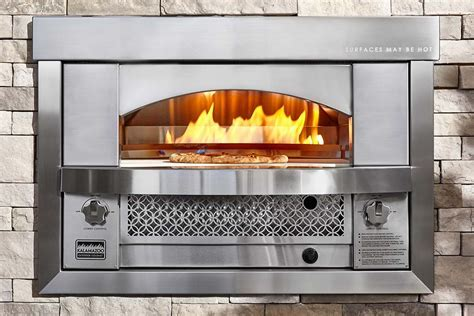 Built in Artisan Fire Pizza Oven