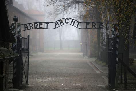israel poland holocaust argument  document  poles treated jews  badly   nazis