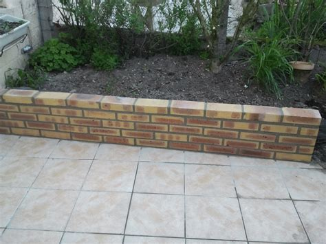 r 233 alisation d un muret en biques muret pour terrasse
