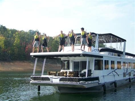 Houseboat Hire by Best 25 Houseboat Hire Ideas On Canal Boat