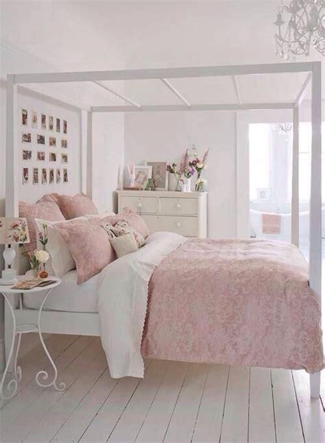 Simple Bedroom, Light Pink Bedroom  Colors Pink