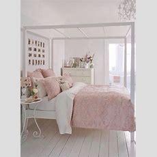 Simple Bedroom, Light Pink Bedroom  Room Designs
