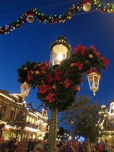 Top 5 Must Do's During Christmas at Walt Disney World ...  Disney