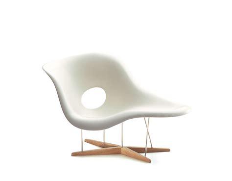 chaise eames vitra miniature eames la chaise hivemodern com