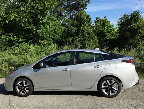 Prius Cer by Comparison 2016 Toyota Prius Still Leads The Hybrid Pack