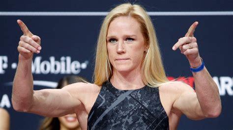 Bijusī UFC čempione Holma izcīna pārliecinošu uzvaru ...