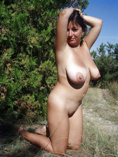Mature Wife With Big Boobs Posing Outdoors 18 Pics
