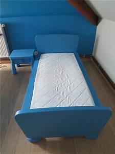 Chambre Ikea Enfant : lit enfant ikea bleu ~ Teatrodelosmanantiales.com Idées de Décoration
