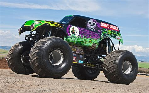 grave digger monster truck ride along with grave digger performance video truck trend