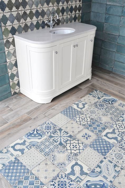 Antiqua Pattern Moroccan Tile Set 200x200mm   Brooke Ceramics