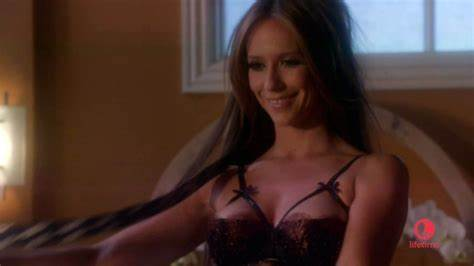 Check Us Out And Loving Jennifer Like Hewitt Pregnant With Virgin Child Co