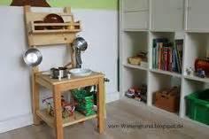 küche selbst gebaut kinderküche aus einem alten stuhl basteln