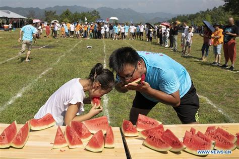 Anyone who is a fan of the anime series slugterra should make sure that they check out slugterra: Tourists take part in watermelon game in Huangshan, east China