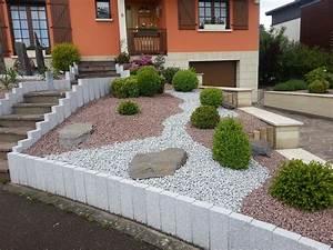 belle amenagement exterieur jardin l39idee d39un tapis de bain With jardin paysager avec piscine 11 amenagement paysager verdeko paysagement