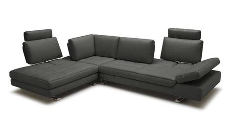 canape d angle blanc et gris canape d 39 angle en cuir contemporain minho mobilier moss