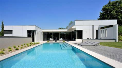 maison plain pied contemporaine avec piscine ventana