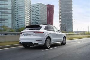 Porsche Cayenne Sport : 2019 porsche cayenne e hybrid has 462 hp sport chrono comes as standard autoevolution ~ Medecine-chirurgie-esthetiques.com Avis de Voitures