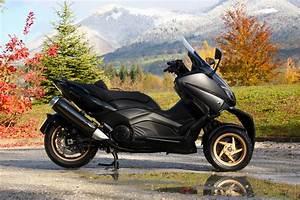 Bmw 3 Roues : lazareth pr sente le mt3 un scooter yamaha tmax moto magazine leader de l actualit ~ Melissatoandfro.com Idées de Décoration