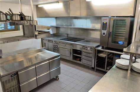 cuisine semi professionnelle plan de cuisine professionnelle maison design bahbe com
