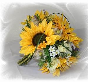 Tischdeko Mit Sonnenblumen : brautstrauss sonnenblumen gross hochzeitsdekorationen ~ Lizthompson.info Haus und Dekorationen