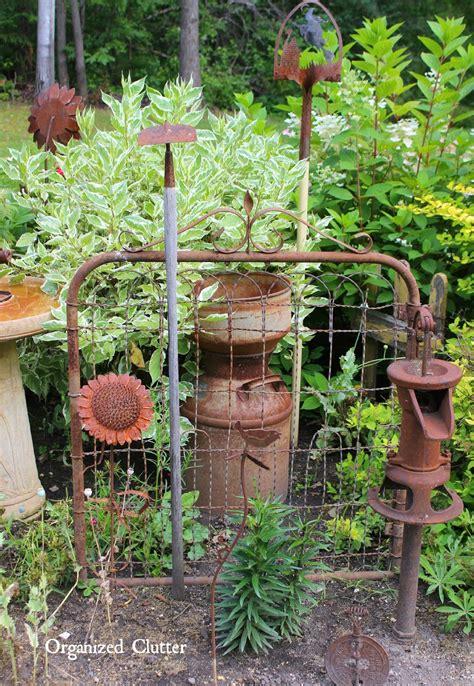 danas fun outdoor junk decor gardens organized clutter