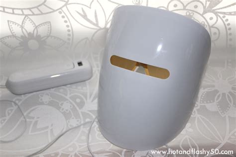 acne light mask illumask anti acne light therapy mask review