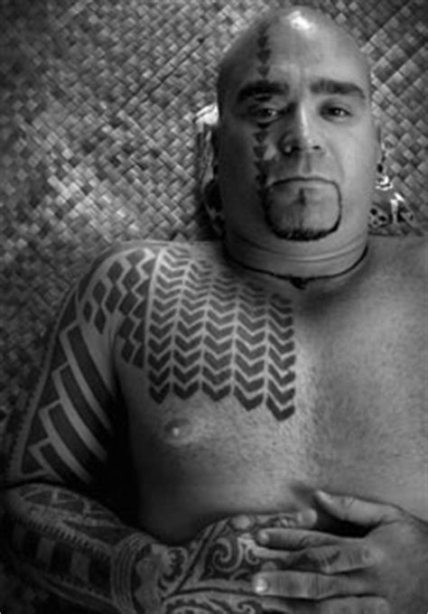 Indigenous Body Adornment / Hawaiian Adornment