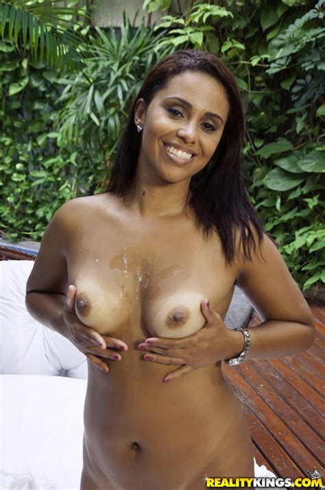 tanned girl has soaking wet pussy photos cris brasil milf fox