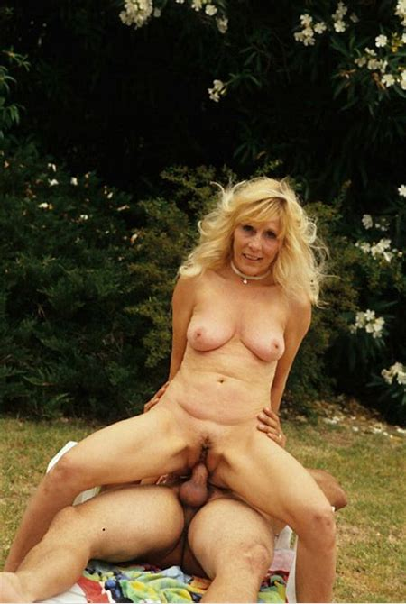 Busty blonde mature fucked hard outdoor - Pichunter