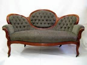 is adding an antique sofa in your home a good idea
