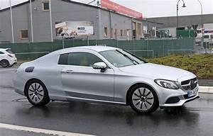 Mercedes Classe C Coupé : mercedes benz c class coupe spied half naked looks like a lessen s class coupe autoevolution ~ Medecine-chirurgie-esthetiques.com Avis de Voitures