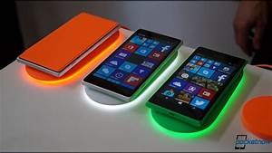 Nokia Smart Wireless Charger Hands-on