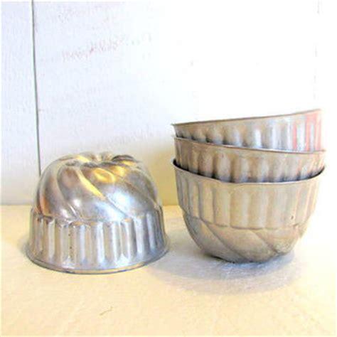 mini bundt cake pans vintage baking tin