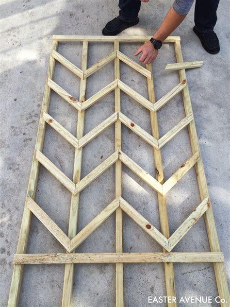 How To Build A Lattice Remodelaholic Diy Chevron Lattice Trellis Tutorial