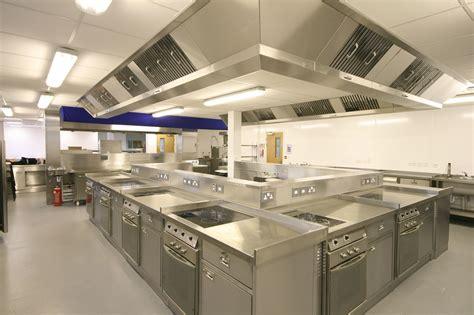 equipement cuisine professionnelle le matériel de cuisine professionnel essentiel pour s 39 équiper