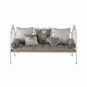 Coussin pouf fauteuil canape pour enfant meuble for Robe de chambre enfant avec matelas cher