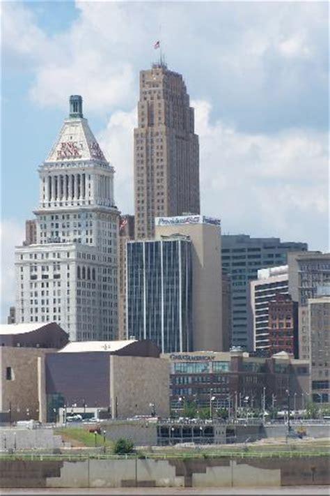 carew tower tallest building in cincinnati one of the