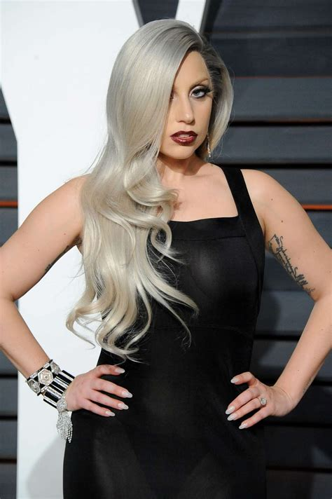 "Eiumt Booking ""lady Gaga"" Per Management"