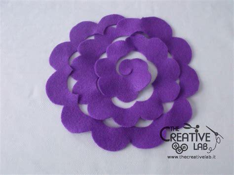 come creare fiori feltro tutorial come fare dei fiori di stoffa the creative lab