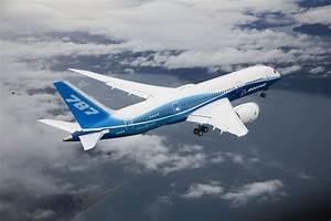 Boeing unveils new 787 Dreamliner - Oddetorium