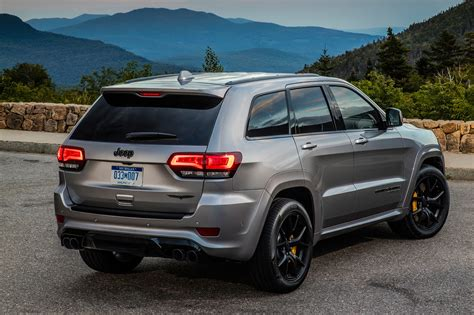 Now, for the first time ever, the elevated interior features a third row of seating., explore grand cherokee l, build your grand cherokee l, 2019 Jeep Grand Cherokee Trackhawk 0-60   2020 - 2021 Jeep