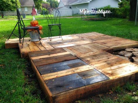 Easy Patio Diy by Minettesmaze Diy Pallet Deck