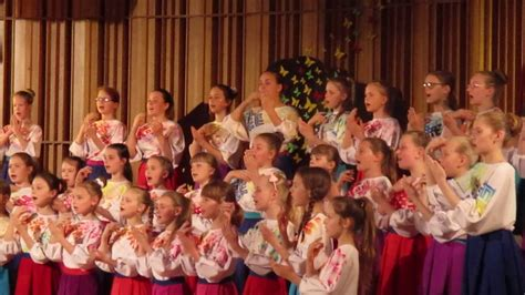 Хор девочек Jelgavas 4. vidusskola - YouTube