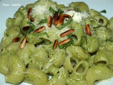 p 226 tes au pesto de brocolis pique assiette