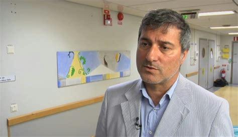 Paolo macchiarini (nacido el 22 de agosto de 1958) es un cirujano torácico italiano nacido en suiza y ex investigador en medicina. Paolo Macchiarini, disgrâce d'un chirurgien qui se ...